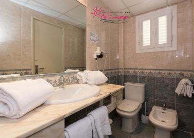 Baño Apartamento  Vista Piscina y Superior